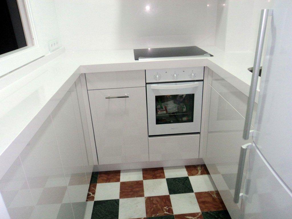 Cocina pequeña, funcional y completa