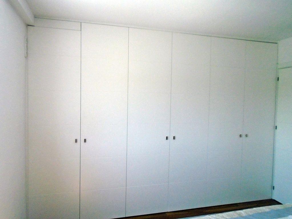Armarios puertas abatibles lacadas 2 mueblesmcaso for Armarios puertas abatibles