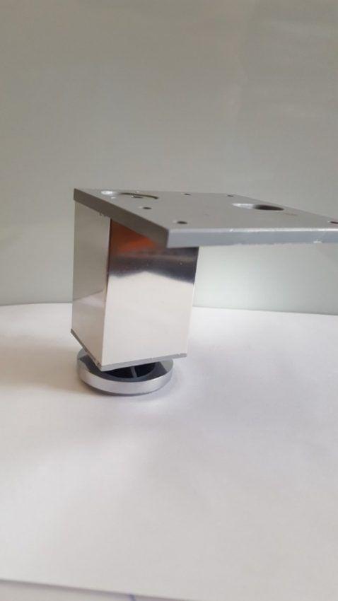 Pata decorativa Aluminio cuadrada 1 Pata decorativa Aluminio cuadrada
