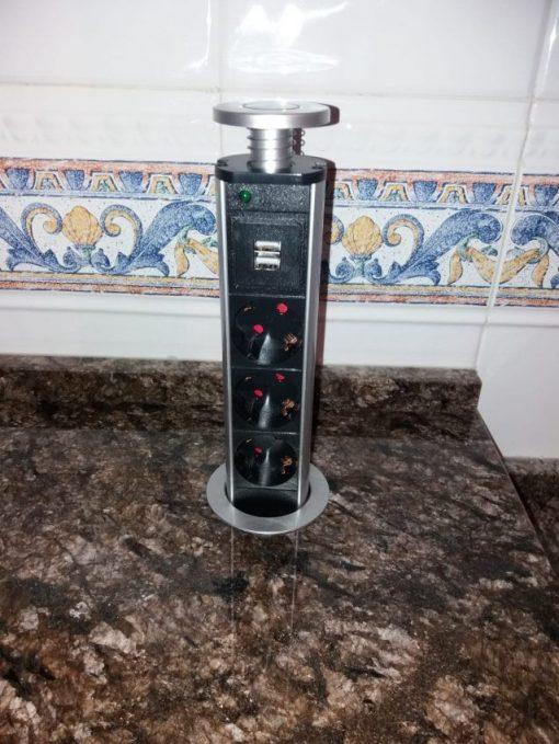 Enchufe encimera cocina Vertical con USB