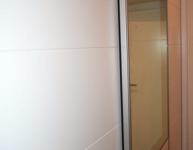 - Armario a medida puertas lacadas (14)