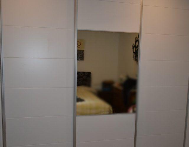 - Armario a medida puertas lacadas (3)