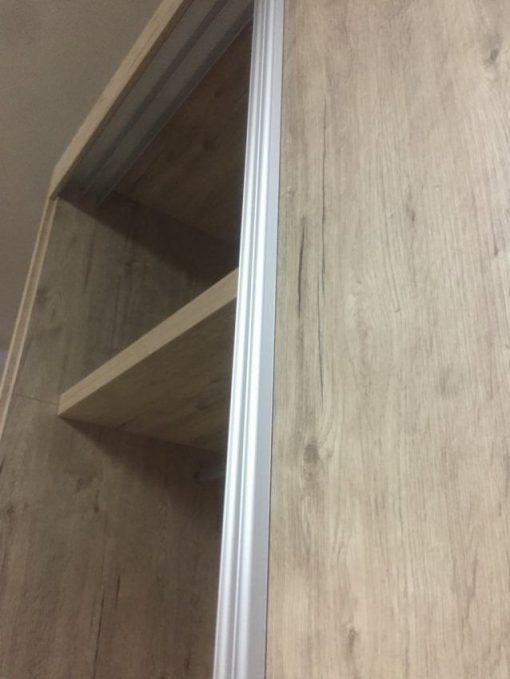 Armario con puertas correderas (1)