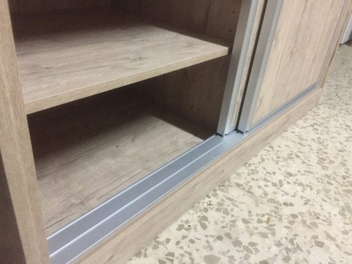 Armario con puertas correderas (10)